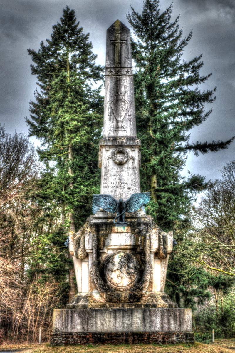 Tacambaro monument